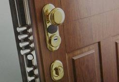 Top door lock security with locksmith Bromley lock installers
